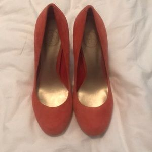 Size 9 coral suede Jessica Simpson heels